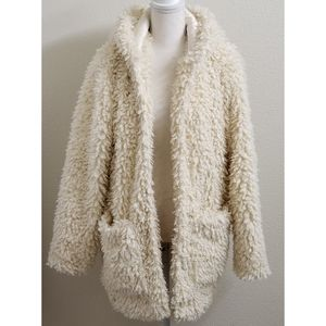 NEW - FOREVER 21 Vanilla Faux Fur Teddy Coat